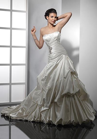 Самые пышные свадебные платья - фото.